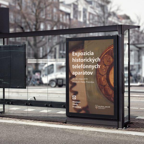 vtedy-identity-mockup-reklama-na-zastavke-2